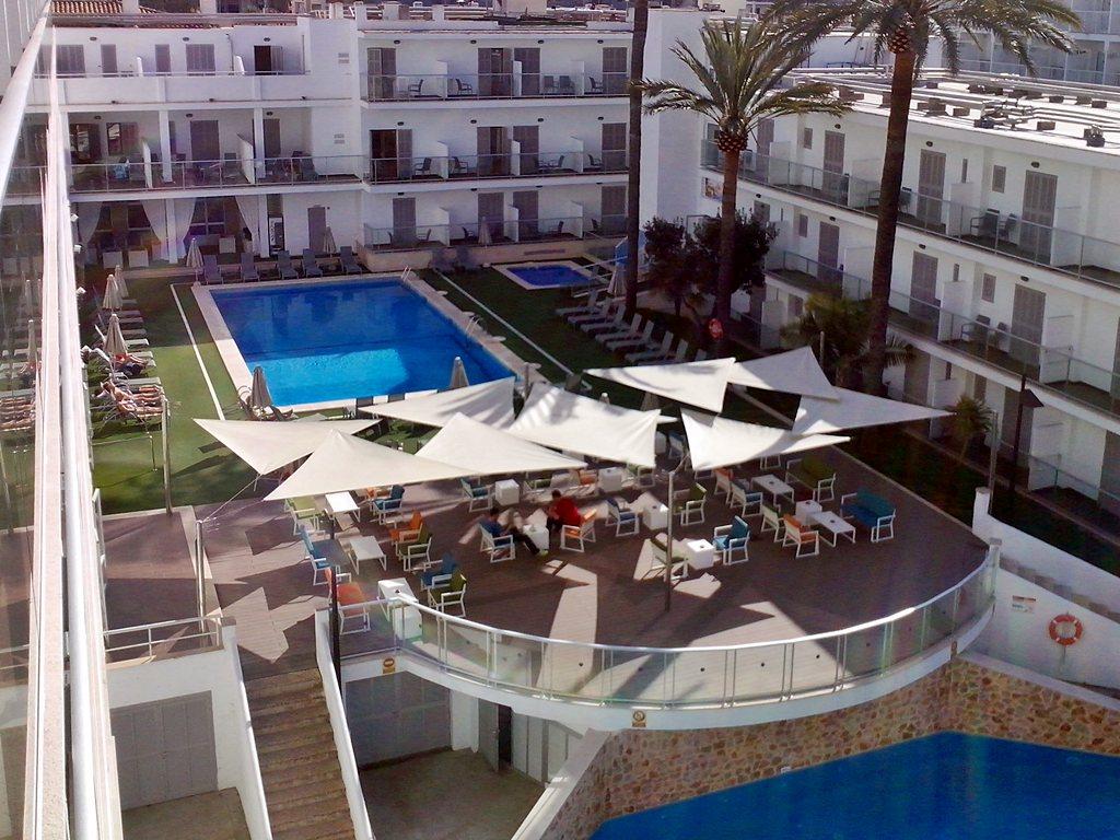 Eix hotel alcudia eix hotel in port d 39 alcudia auf mallorca for Design hotels auf mallorca